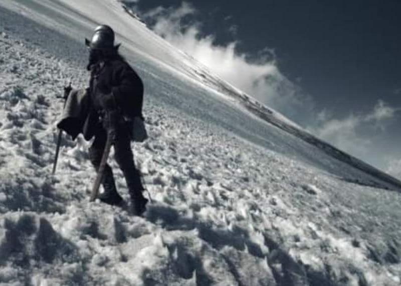 El español que bajó al crater del volcán Popocatépelt a buscar azufre para elaborar pólvora